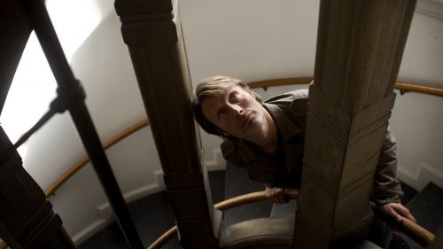Mads Mikkelsen stairs